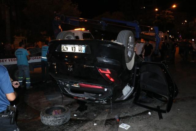 Ağaca Çarpan Otomobil Takla Attı: 4 Yaralı