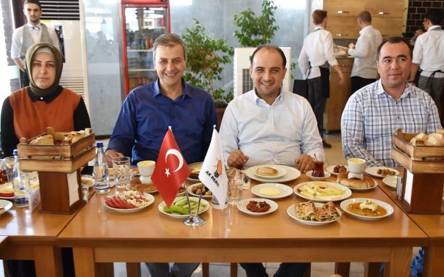AK Parti li Baybatur: Parayı Pulu Devreye Sokarak Ekonomik Darbe ile Türkiye yi Karıştırmak…