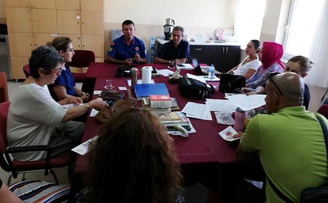 Datça Jandarmasından Öğretmenlere Trafik Bilgilendirmesi