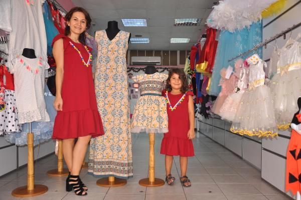 Kızına İsteği Kıyafeti Bulamayınca Tasarımcı Oldu