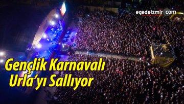 Gençlik Karnavalı Urla'yı Sallıyor