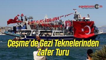 Çeşme'de Gezi Teknelerinden Zafer Turu