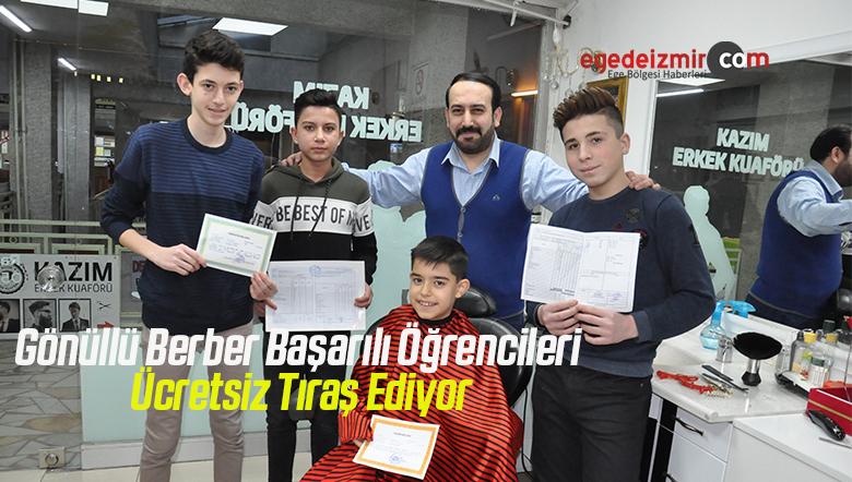 Gönüllü Berber Başarılı Öğrencileri Ücretsiz Tıraş Ediyor
