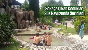 Sokağa Çıkan Çocuklar Süs Havuzunda Serinledi