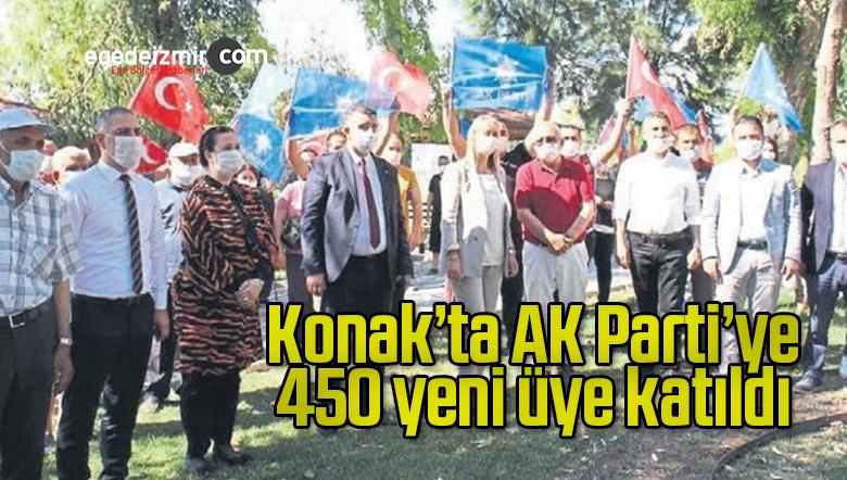 Konak'ta AK Parti'ye 450 yeni üye katıldı