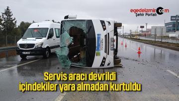 Servis aracı devrildi, içindekiler yara almadan kurtuldu